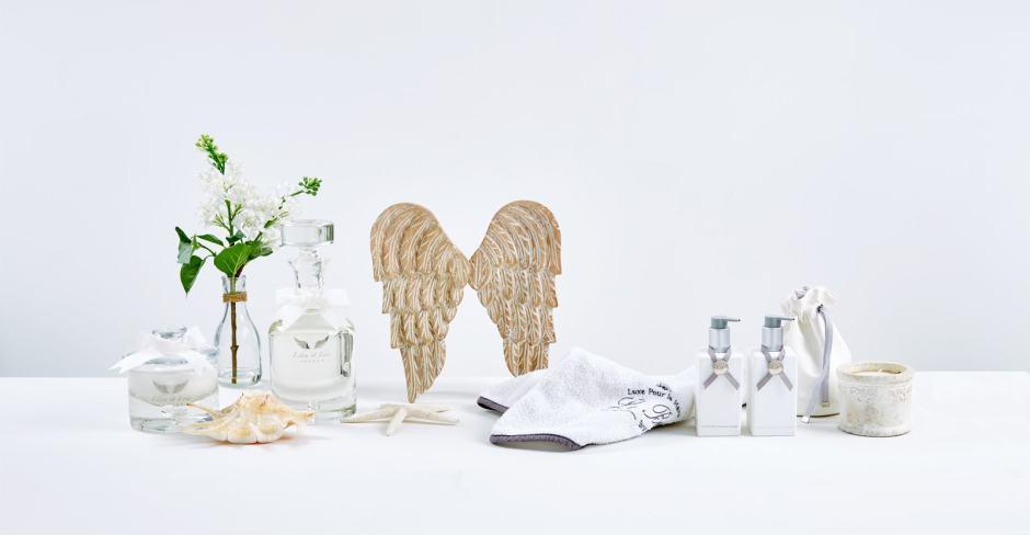 setting_bath_body_essentials_white_3-min